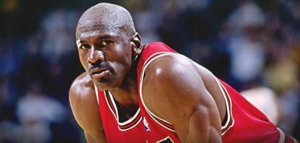 美评NBA史上最强分卫档次:诺神4档!科比艾弗森2档,一档仅有他