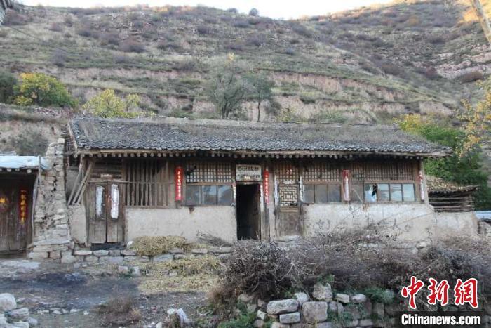 吕如堂家的旧房,条件简陋。受访者供图