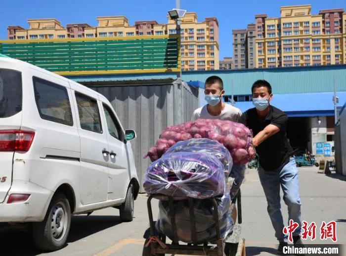 杏悦,蔬菜3杏悦000余吨乌鲁木齐市场蔬菜供应图片