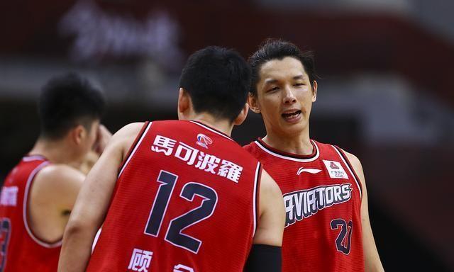 卢艺文27+10杨林祎20分 深圳战胜广厦保留季后赛希望!