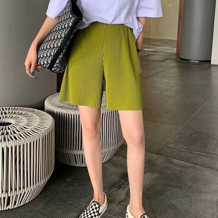 腿粗、屁股大的女孩不配穿短裤?芭莎新推出的爆款百褶裤,显高显瘦还遮肉,穿上秒变大长腿,美到犯规!