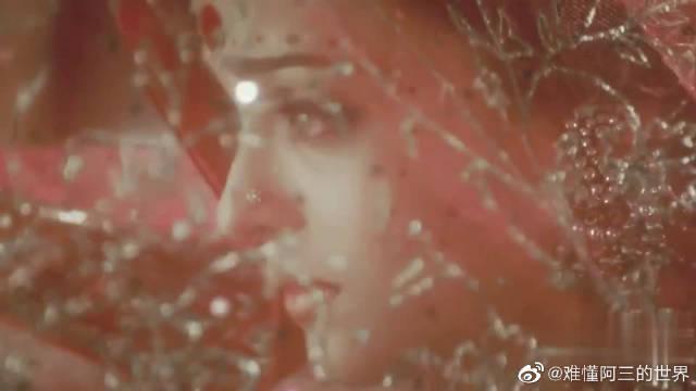 印度宝莱坞第一美女艾西瓦娅雷,那双眼睛太迷人了~