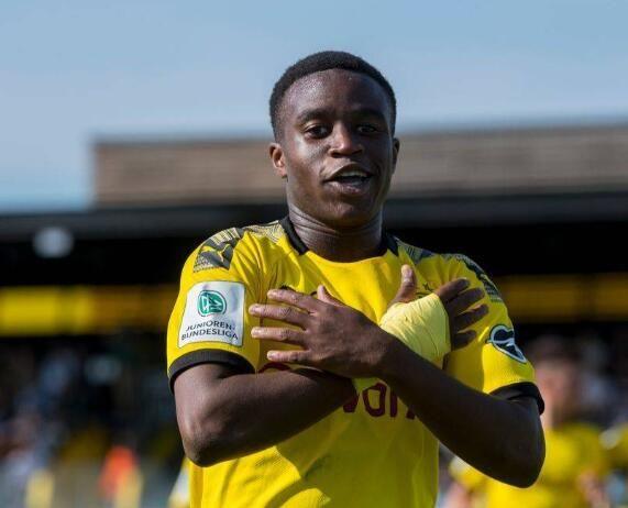 15岁天才行将进入欧洲豪门一线队,本赛季踢U19联赛,28场进38球