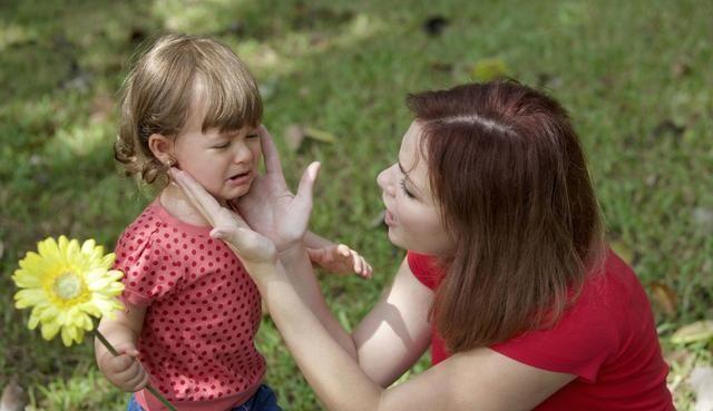 孩子三岁前跟谁睡,影响孩子一生的性格,聪明妈妈这样做
