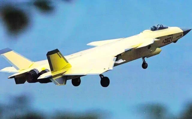 歼-20B实际上并不神秘,换上锯齿状国产心脏,或亮相珠海航展