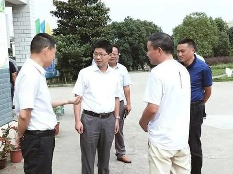 徐雄到孔城镇检查指导防汛救灾工作
