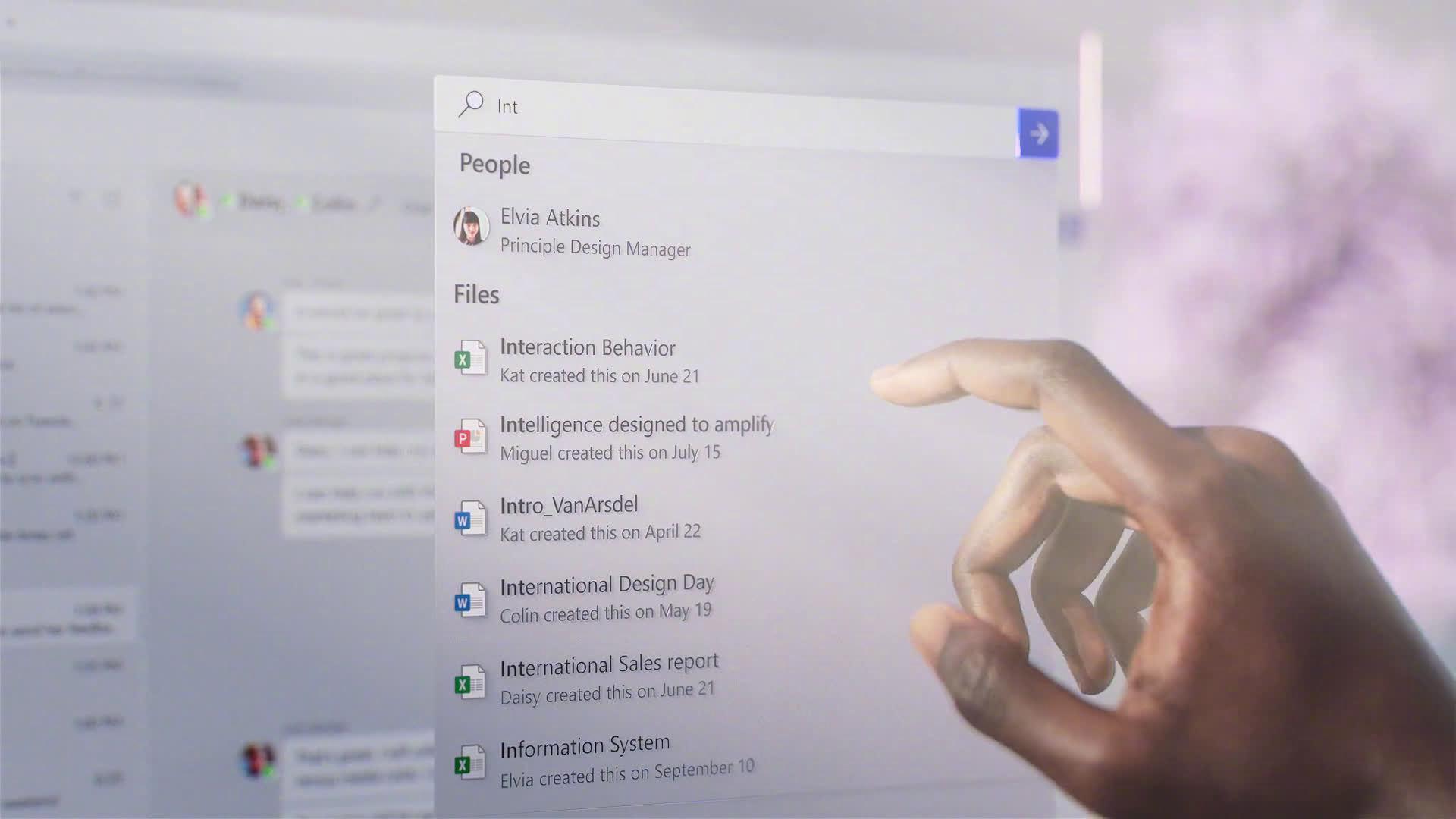 据 The Verge ,微软正在测试全新的 Microsoft Office UI