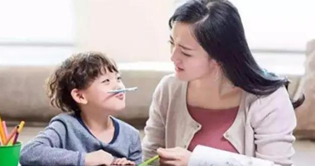 家长几个错误行为,或是娃做事拖拉主因,教你几招带娃戒除惰性