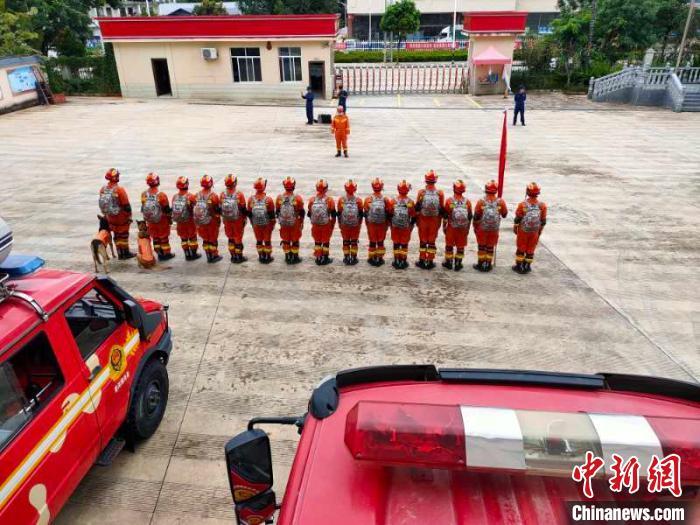 云南澜沧发生4.1级地震 普洱消防