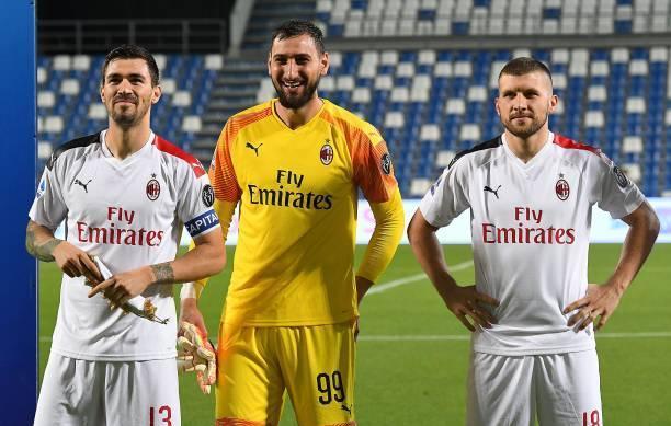 意甲第35轮AC米兰2-1击败萨索洛,伊布梅开二度,赛后主帅皮奥利续约