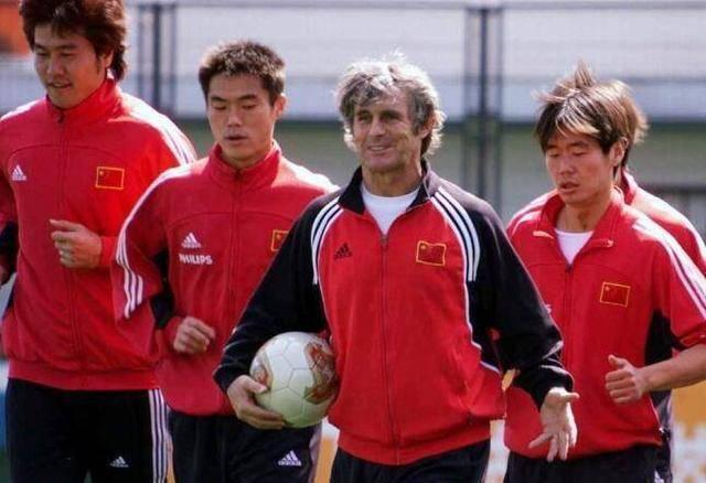 国足让神奇教练米卢变平凡,若他重新执教中国队,能进世界杯吗?