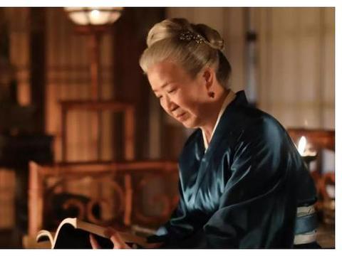 """""""祖母专业户""""曹翠芬,大器晚成演技精湛,一生无儿女很是遗憾"""