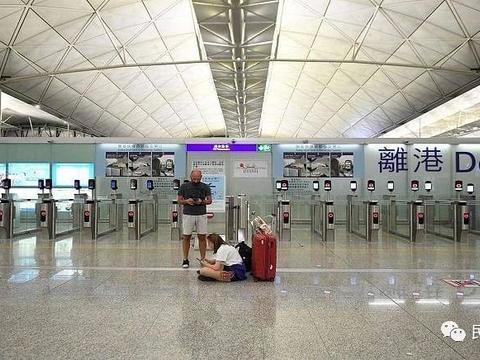 香港机场:所有旅客进出航站楼必须佩戴口罩