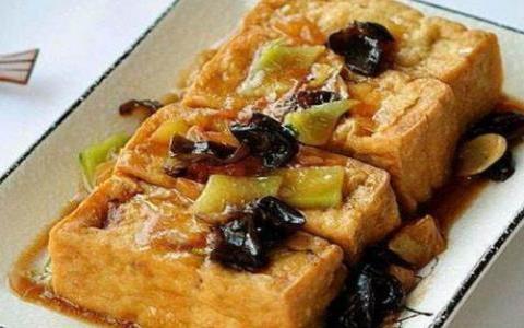 精选美食:肉馅豆腐,果醋藕片,蜜汁鸡翅,酸菜炒萝卜的做法