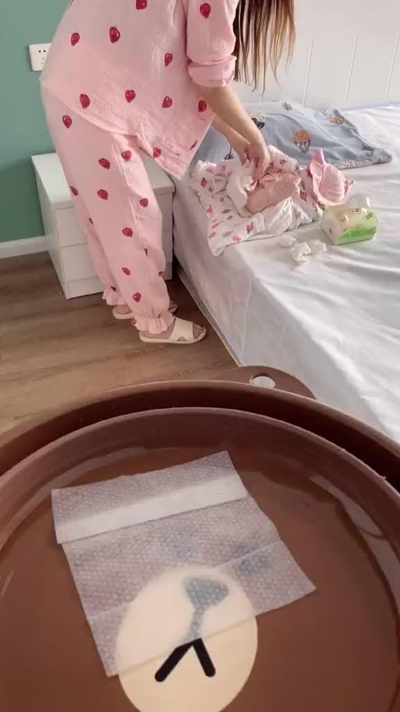 家中常备湿巾加热器,40度恒温给宝宝擦pp不等待,随用随取