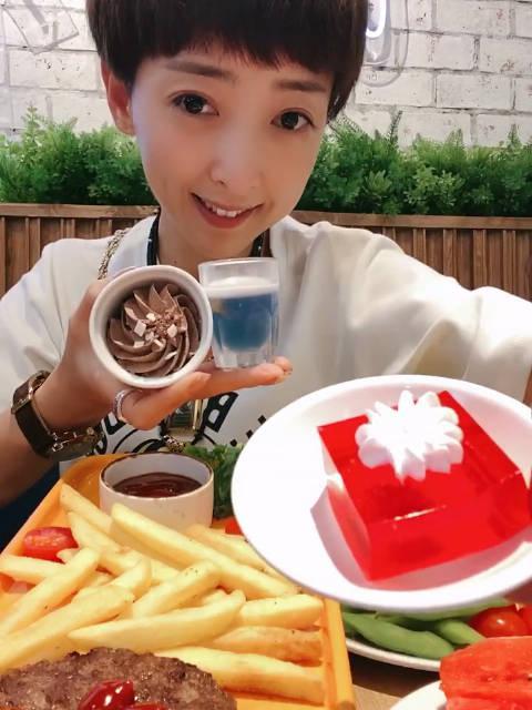 100泰铢吃垮泰国西餐厅蘑菇香菇茶树菇