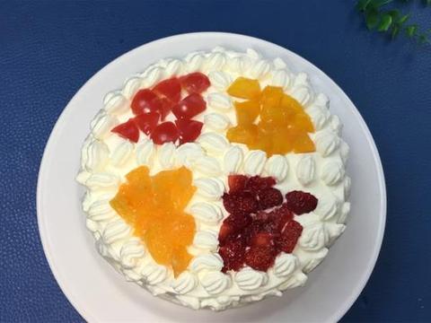 没有刮板和转盘,一样做奶油生日蛋糕,老阿姨教你方法,零失败