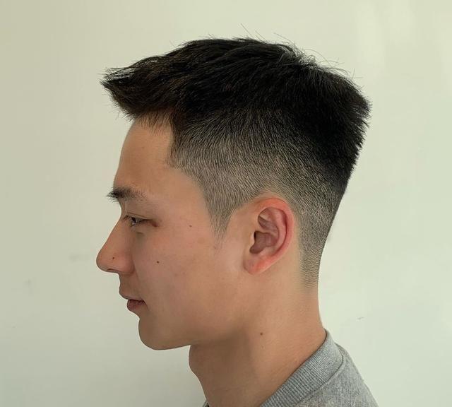 2020男神发型30多款,时尚清爽显精神,越来越多男士这样剪