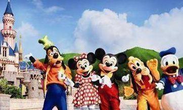 盛夏激情:畅游迪士尼,享受家庭的幸福,小S享受暑假