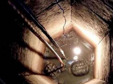 一口尘封30年的古井被打开,在里面居然发现了两个宝贝