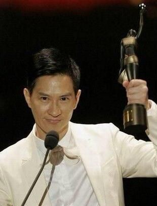 王晶无论如何都捧不红他,林超贤只用一部戏,让他影帝拿到手软!
