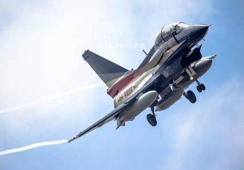 战斗机主翼切尖和不切尖的区别:关键就在可削弱翼尖涡流上面