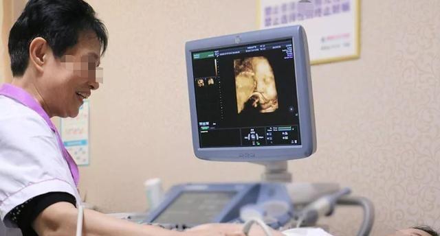 """怀孕期间有4个时刻,会让胎儿""""咯咯笑"""",很多准妈妈没发现"""