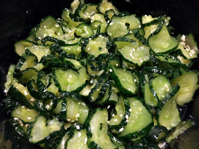 跟日本妈妈学的腌黄瓜,口感爽脆,第一次这么做,相当好吃