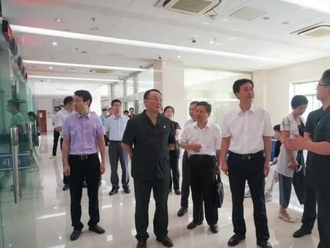 溧阳市人大代表、政协委员到法院调研指导工作
