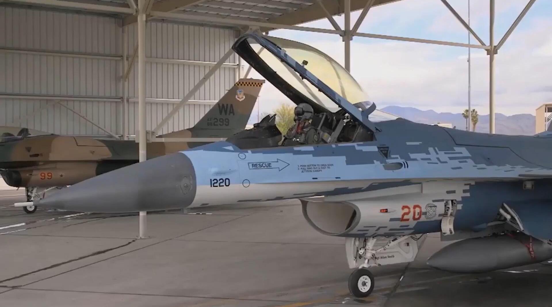 换上苏-57涂装的F-16C战斗机,驾驶舱视角记录起飞全过程!