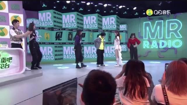 | | 腾讯打歌节目《见面吧电台》婧妹二倍速跳主题曲 上官喜爱