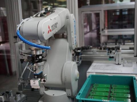 人力不再值钱!研究:机器人将于2030年取代2000万个制造业人力