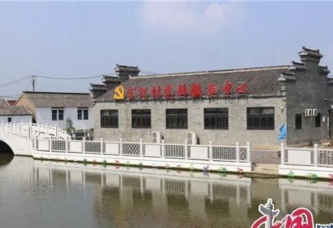 兴化最美村部之沙沟镇官河村:中国荷藕套养小龙虾第一村