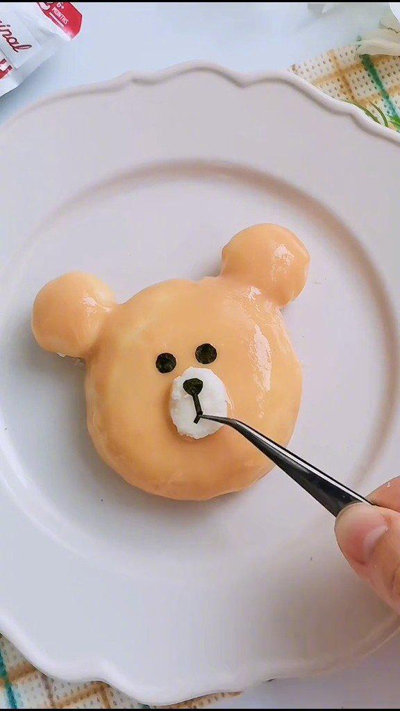 果泥的卡哇伊新吃法,你更喜欢布朗熊还是米菲兔呢