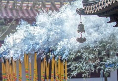少林寺每年香火钱过亿,入了谁的口袋?释永信:我每月工资700元
