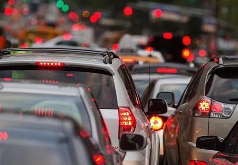 开车时候听听歌,车载音响中的歌声又藏着些什么?