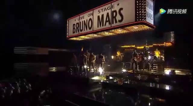 第54届格莱美奖颁奖礼,火星哥的舞步实在是太销魂了!