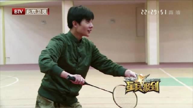 | 杨洋2013星兵报道之羽毛球对抗 和世界冠军鲍春来打羽毛球……