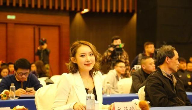 29岁文筱婷身价上亿,男友身材很强壮,如今愿为球队付出一切!