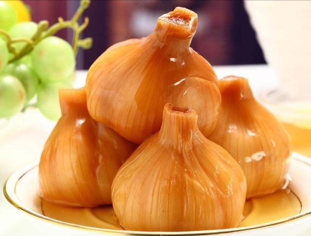 妈妈用了20年的两款糖蒜做法,配方比例告诉你,一次做5斤不够吃
