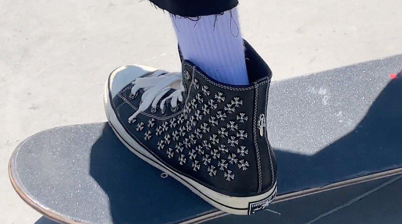滑手 Erik Arteaga 上脚 Chrome Hearts x Converse 联名鞋款……