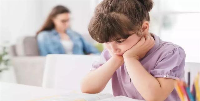 """孩子不愿意搭理大人,可能是父母触犯了""""育儿雷区"""",不妨避免下"""