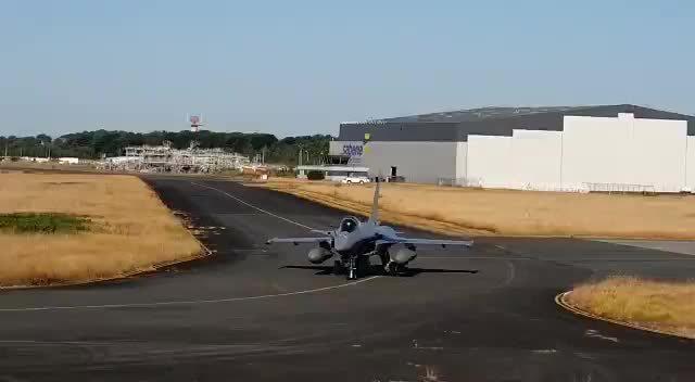 印度首批阵风战斗机到货