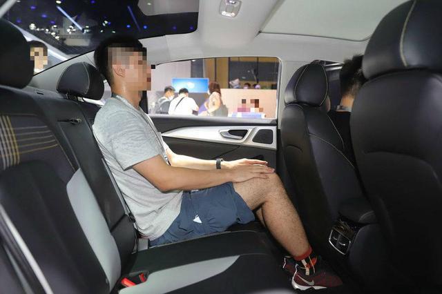 14.3英寸屏+人脸识别+AR技术,荣威换标首秀,1.5T家轿有市场吗