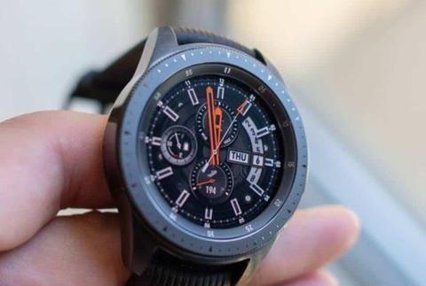 用手接听电话、跌倒监测,三星新一代智能手表曝光