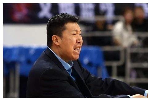 八一队输了:邹雨宸被驱逐,他送裁判四个字!付豪30分12板难救主