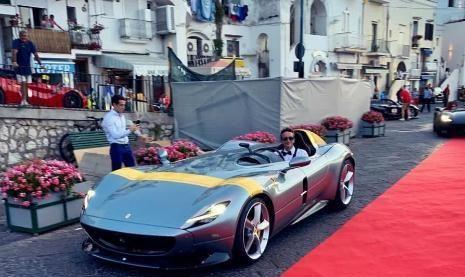 """法拉利""""双子星""""参加车展,奢华度比肩拉法,可两车对比却扎心了"""