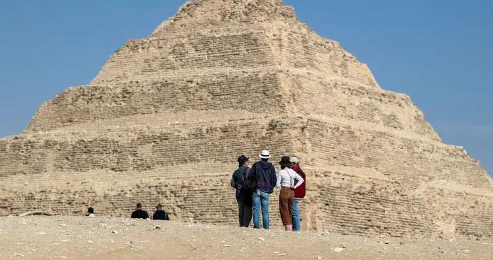 埃及考古学家发现公元前十三世纪拉美西斯二世时期人工制品