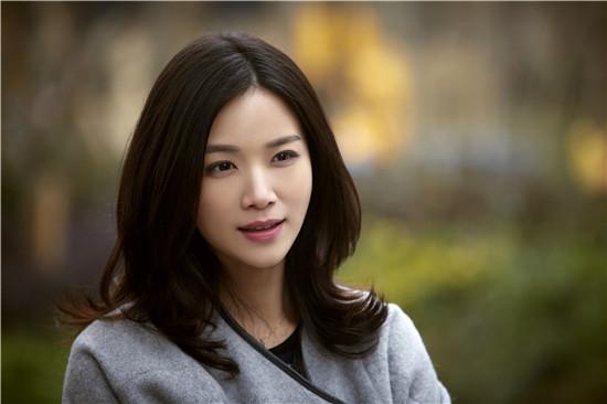 她比刘涛还美,被陈思诚苦追3年,如今36岁却成单亲妈妈