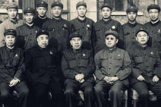 李作鹏出狱后被要求改名,晚年坦言:若不是我,红军很难过草地